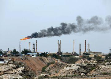 Irán amaga con bloquear el petróleo de sus vecinos si se le impide exportar el suyo