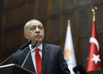 Turquía decreta una purga en las Fuerzas Armadas y la Policía antes de la toma de posesión de Erdogan