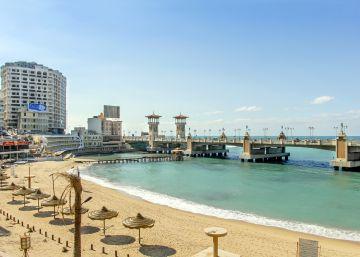 Alejandría reservará sus mejores playas para los extranjeros