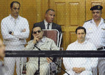 Egipto arresta a los hijos de Mubarak por manipulación bursátil