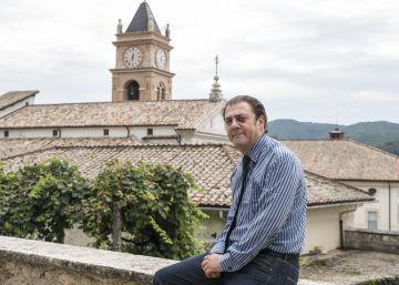 El templo populista de Bannon en Italia