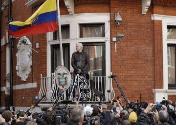 El Congreso de EE UU presiona a Ecuador para que mantenga incomunicado a Julian Assange