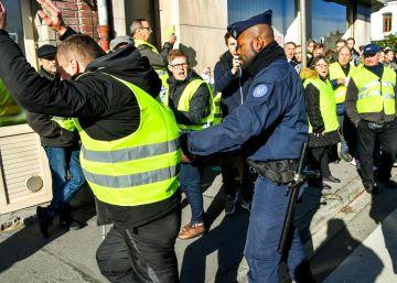 La protesta contra la subida del combustible inquieta al Gobierno francés