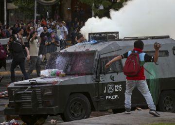 El Gobierno de Chile da de baja a cuatro carabineros tras la muerte del mapuche