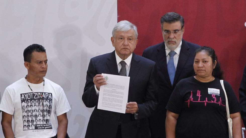 Caso Ayotzinapa: Los 43 entran a Palacio Nacional | Internacional ...