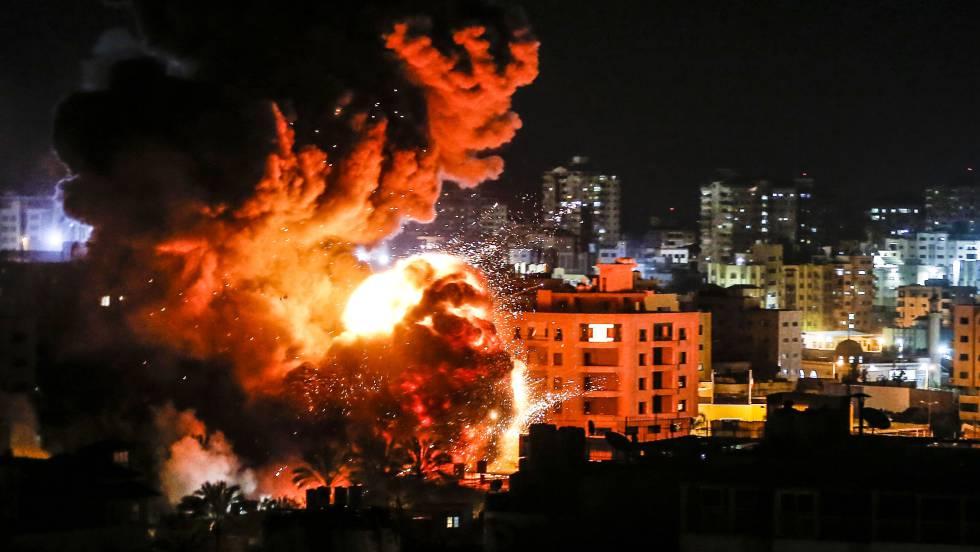 Israel bombardea Gaza en represalia por el cohete lanzado contra Tel Aviv |  Internacional | EL PAÍS