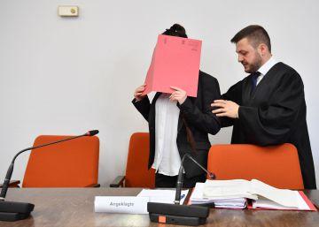 Alemania juzga a una yihadista por dejar morir a una niña yazidí en Irak