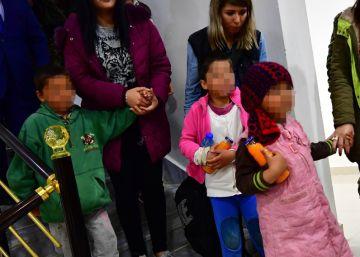 Rusia sí repatria a las familias del ISIS