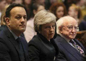 Londres y Dublín relanzan las conversaciones para el desbloqueo político de Irlanda del Norte