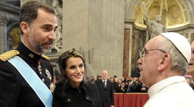 Papa del de francisco hernia operacion
