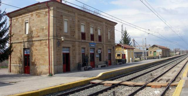 Spanish train driver leaves 109 passengers stranded at end of shift