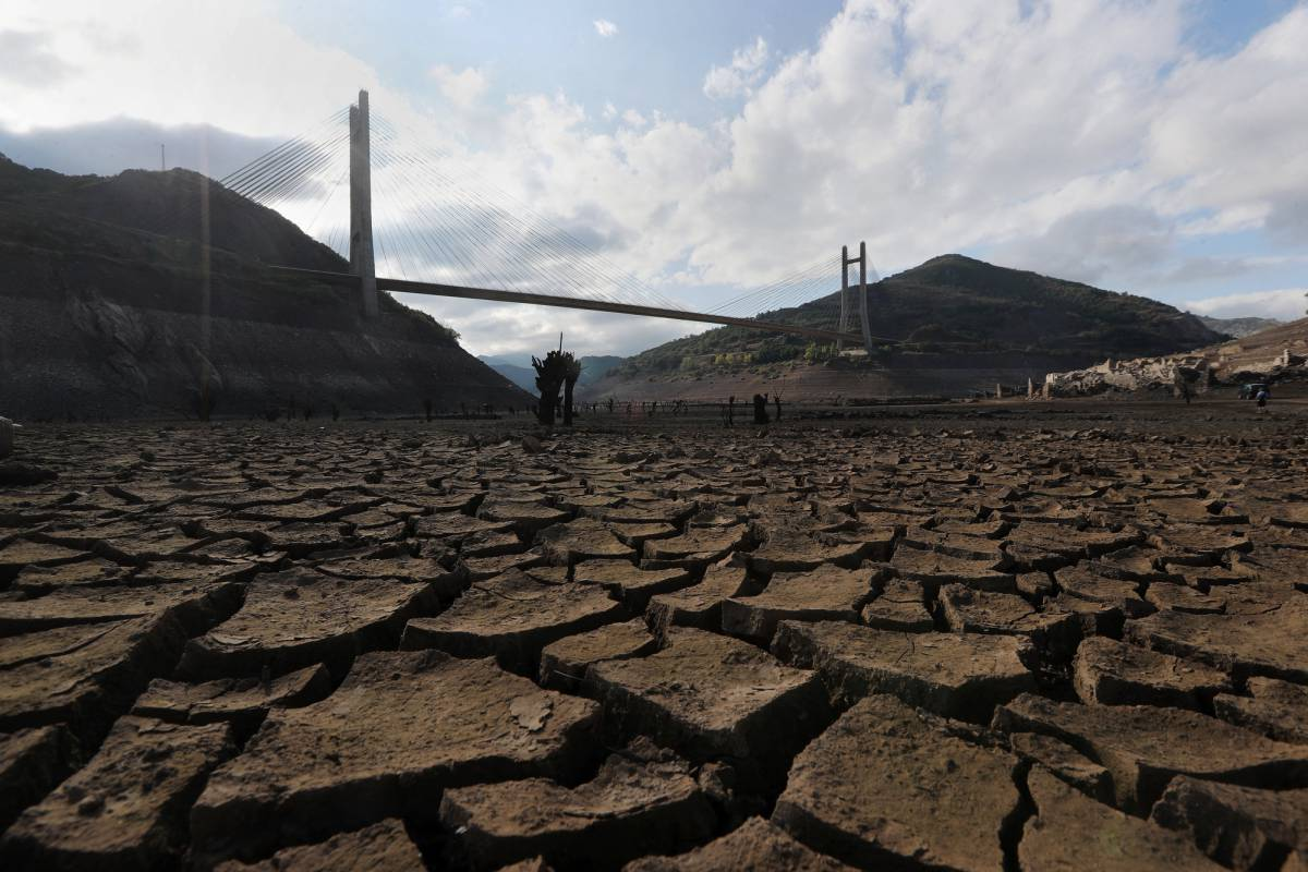 environment in spain after a long dry summer spains drought
