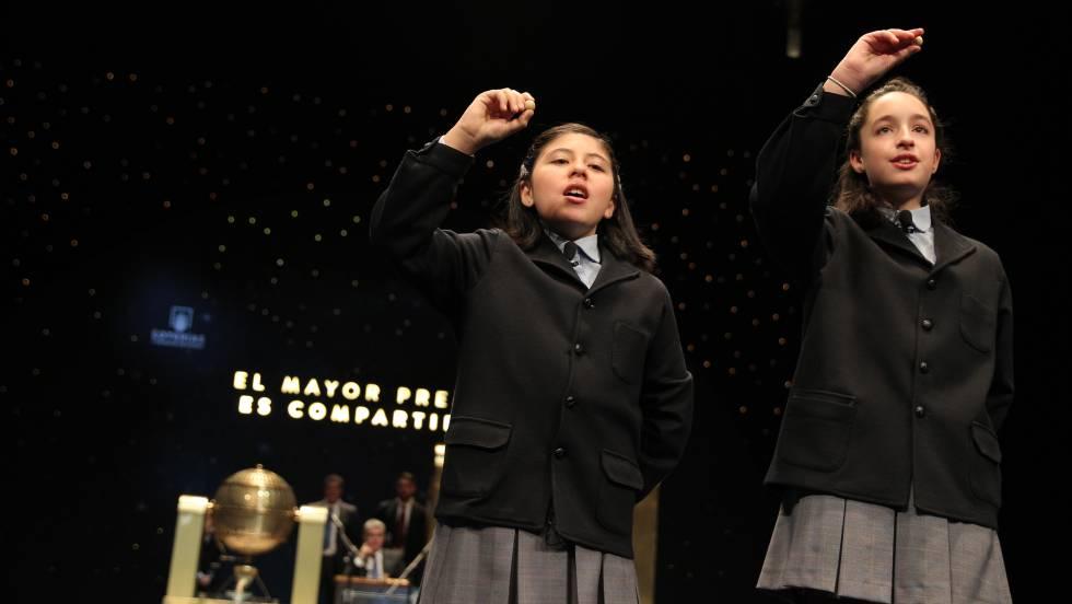 Las niñas de oro de la Lotería de Navidad  cinco premios en solo 20 minutos   b3a89187b7b9b