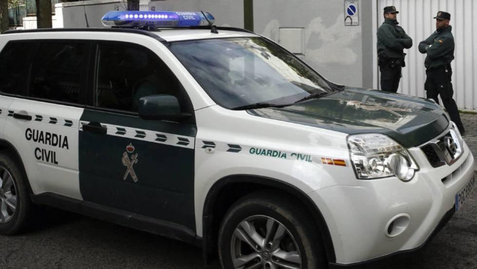 Agredidos en Algeciras nueve guardias civiles por 40 personas que ...