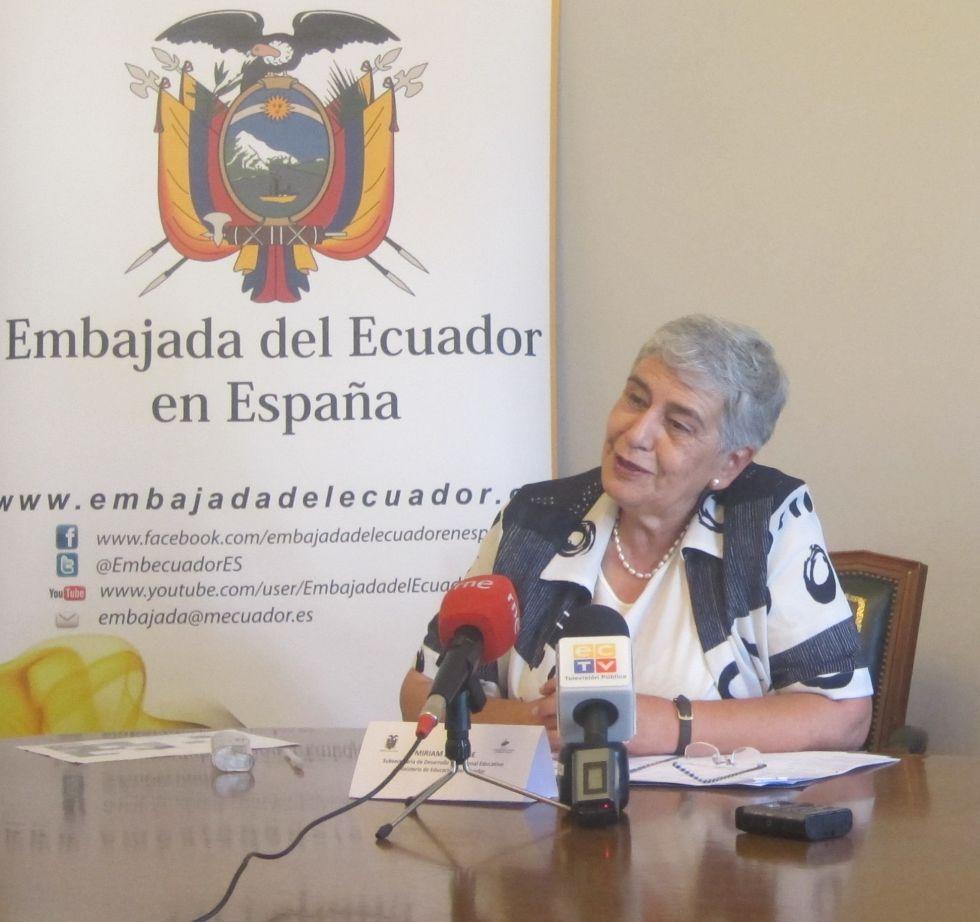Ecuador ofrece salario, comida y vivienda a profesores españoles ...