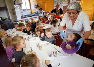 Francia dará desayunos gratuitos en los colegios de barrios menos favorecidos