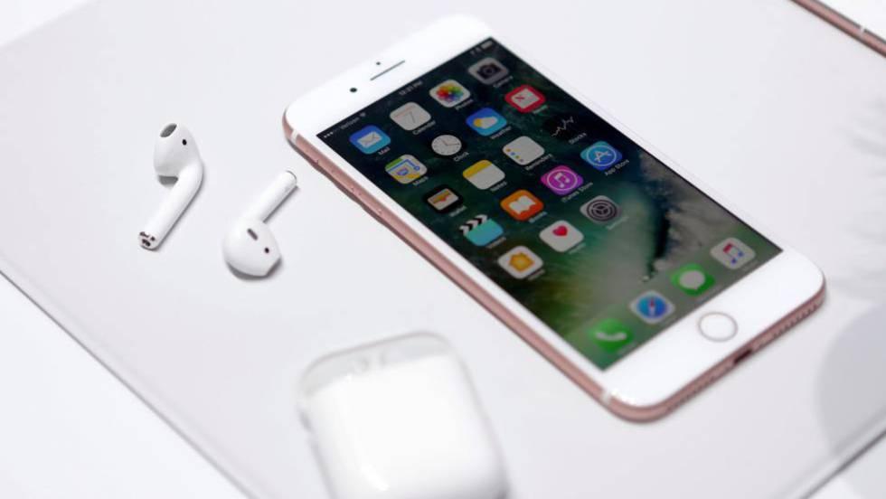 0890b8a0685 Los AirPods del iPhone 7: los nuevos auriculares del deseo | Tecnología |  EL PAÍS