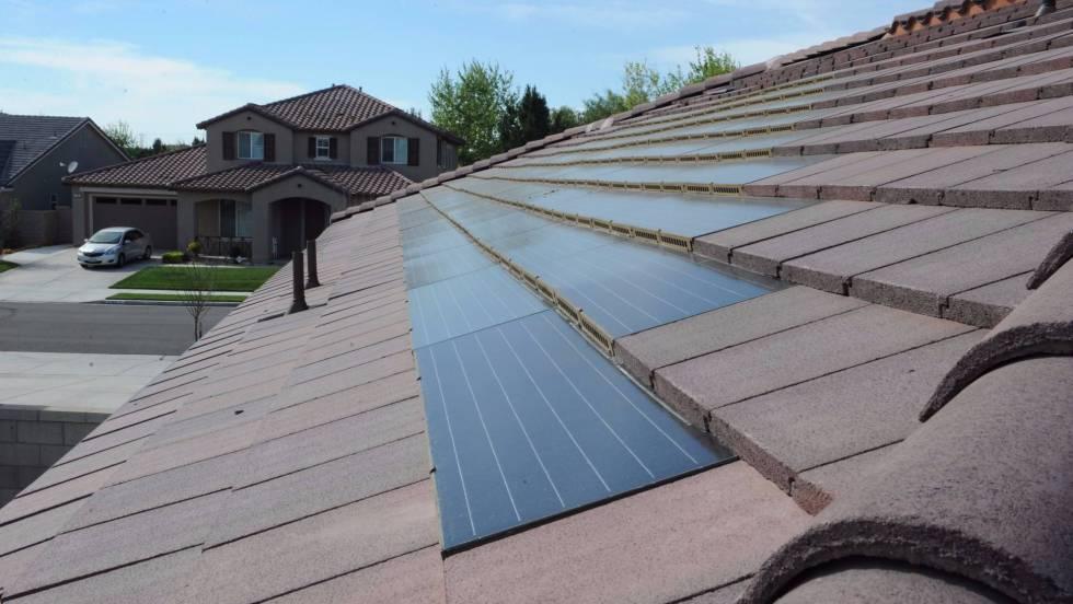 Así son las tejas solares que peinarán las casas del futuro ...